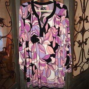Plus size 26/28 long sleeve top. NWOT